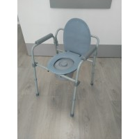 Silla con inodoro regulable en altura