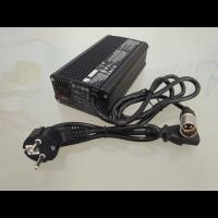 Cargador 8A 24V para baterías de scooter y silla eléctrica