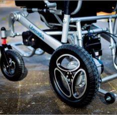 silla-ruedas-electrica-aura-seguridad